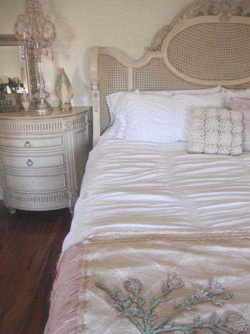 Room bed 2