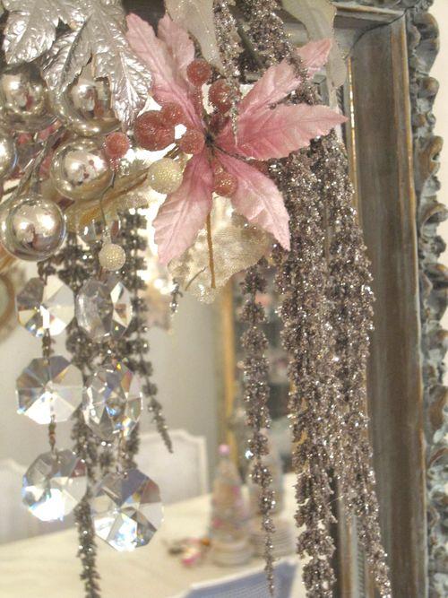 Glimmer mirror detail