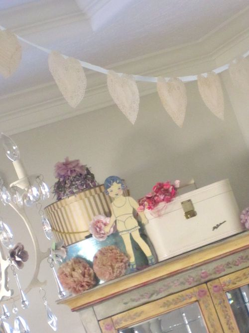 Doll party decor